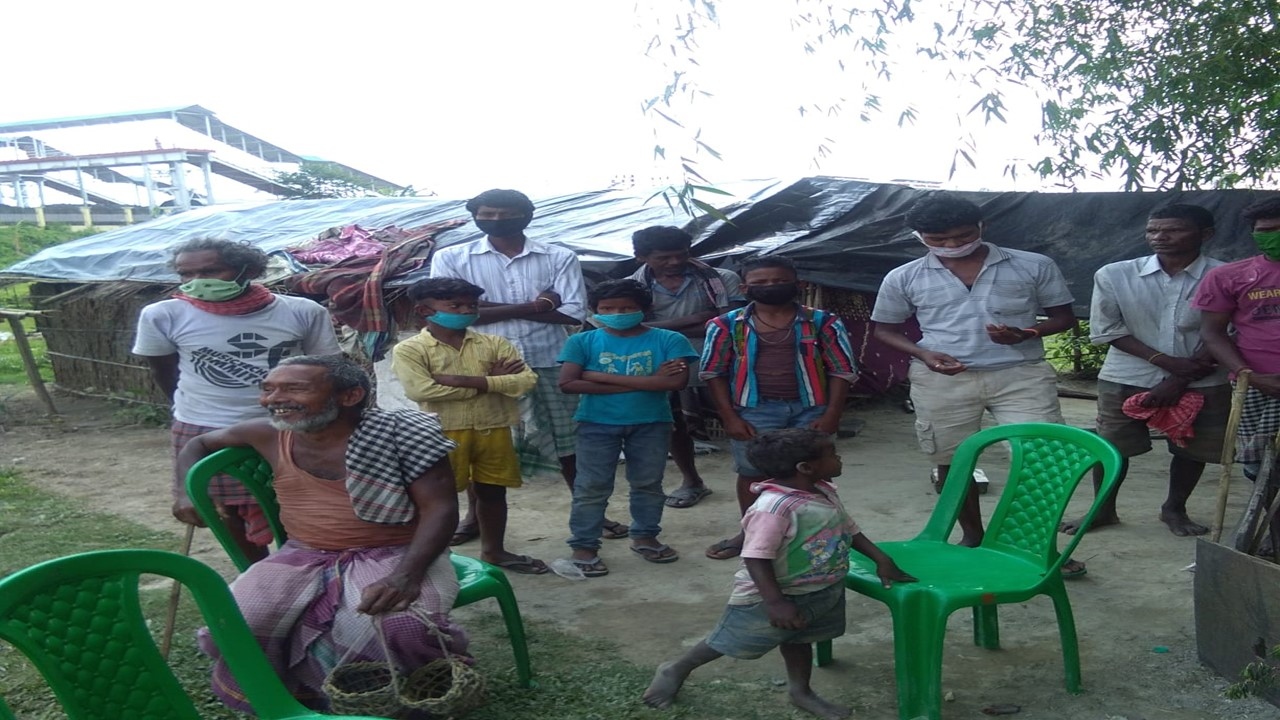 Alipurduar: Samuktala <br> These santal families are daily wager, have come from usually Kakrajhar in Assam.